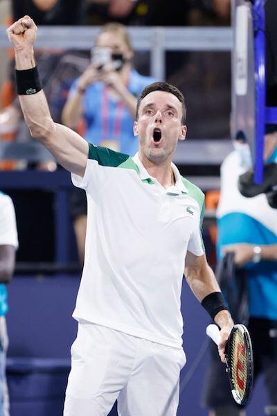 Медведев мог стать неофициальным №1 в мире, но безоговорочно проиграл в Майами