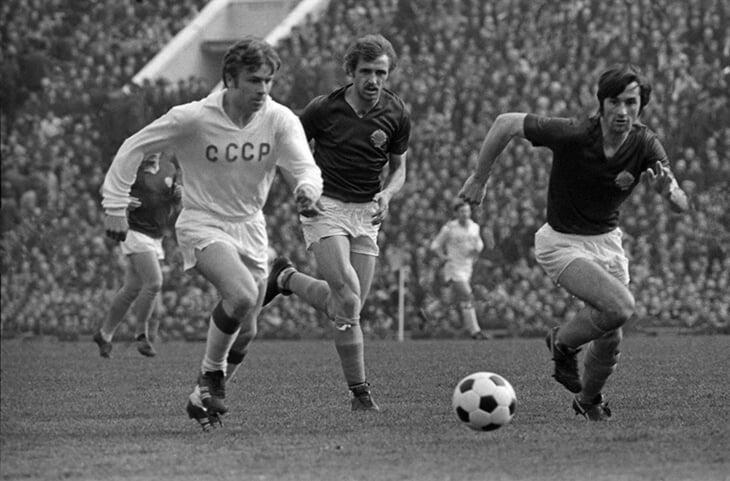 Высоцкий выдумал победу СССР на Евро-72 и упомянул Герда Мюллера в легендарной песне. Зачем?
