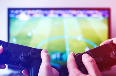 Играешь с друзьями в PS4? Скидка 70% в «М.Видео» на приставки, наушники и телевизор