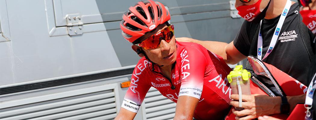 На «Тур де Франс» допинг-облава: полицейский рейд по номерам гонщиков (нашли запрещенку), два медика задержаны