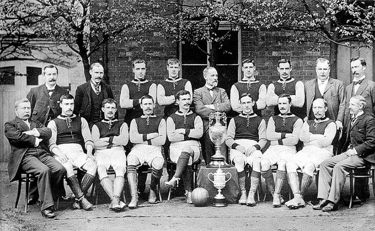 Первые футбольные клубы и алкоголь: «Ливерпуль» основал пивовар, «Вест Хэм» бился за трезвость, а игроки нередко умирали молодыми
