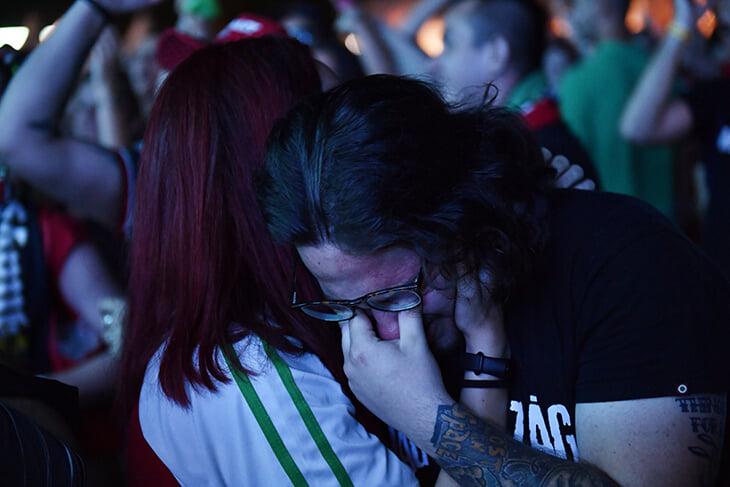 Прощание Венгрии с Евро –до слез. Вместе с болельщиками спели гимн: плакали и игроки, и фанаты