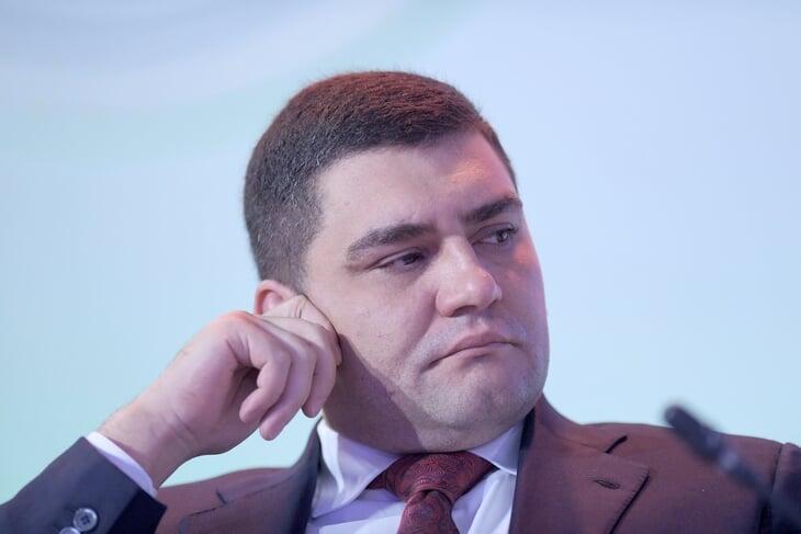 У ЦСКА новый генеральный спонсор. Компанией (помогает закону Яровой) владеет Усманов, основатель – 37-летний бизнесмен, который им восхищается