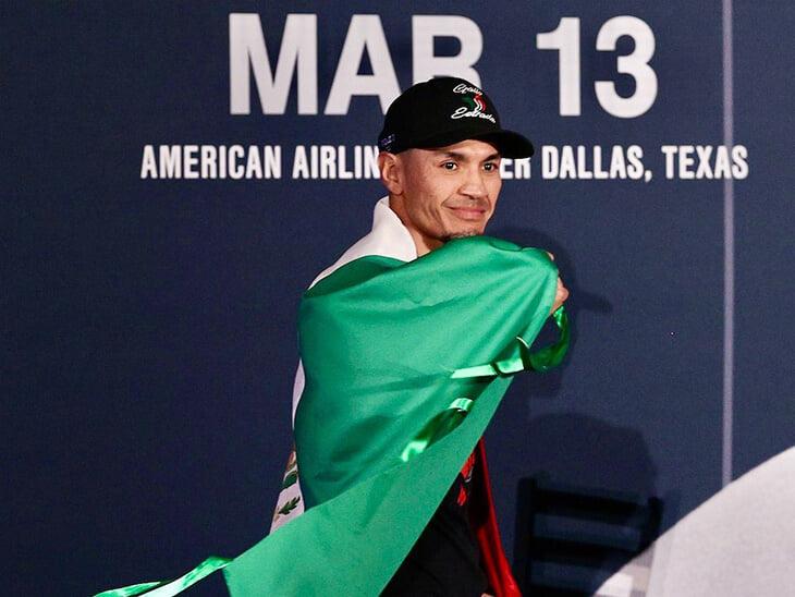 Лютый бой двух боксеров-рубак: Гонсалес и Эстрада на двоих выбросили 2,5 тысячи ударов! Реванш удался