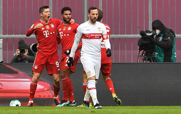 «Баварию» лучше не злить: забили 3 за 5 минут сразу после раннего удаления. У Левандовского хет-трик –и теперь лучший сезон