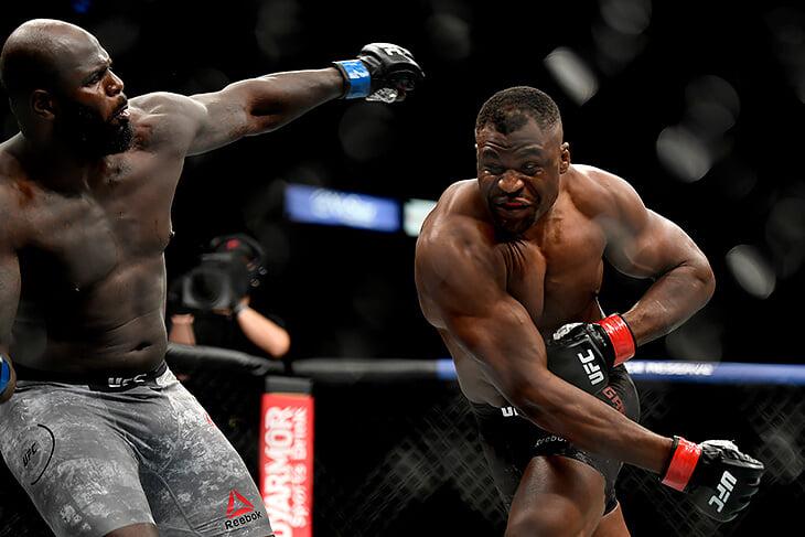 Главный панчер UFC снова победил нокаутом. Нганну потратил 162 секунды на 4 боя