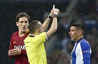В Португалии все тоже решил VAR: Чакир назначил пенальти в овертайме, который убил «Рому»