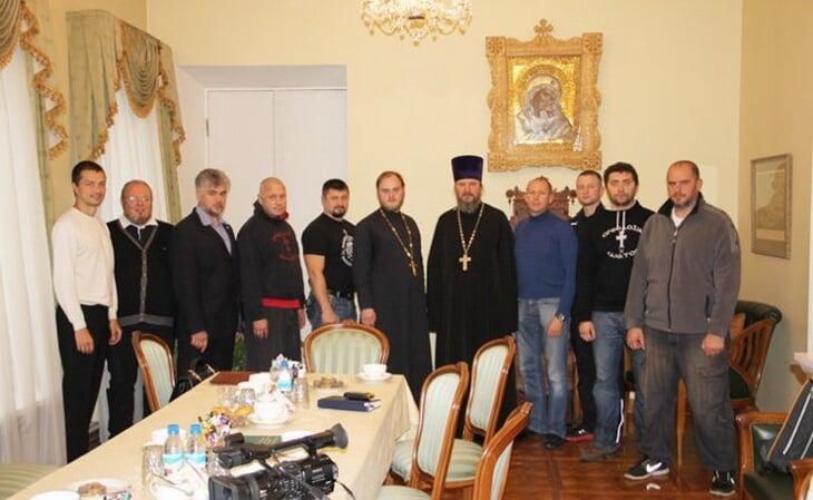 Удивительно, как связаны церковь и наш спорт: Плющенко и Исинбаева – в комиссии РПЦ, Медведеву после Олимпиады исповедовал священник