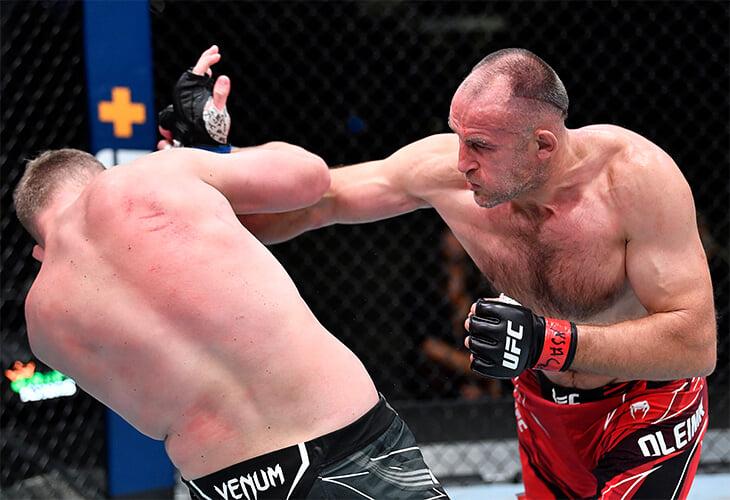 Российский ветеран UFC вышел на бой под Высоцкого, но проиграл – у соперника была Надежда Кадышева и 18 лет форы