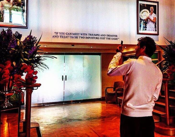 Над входом на главный корт «Уимблдона» – строки из культового стихотворения Киплинга. Оно пережило отмену автора, однажды его читали Федерер и Надаль