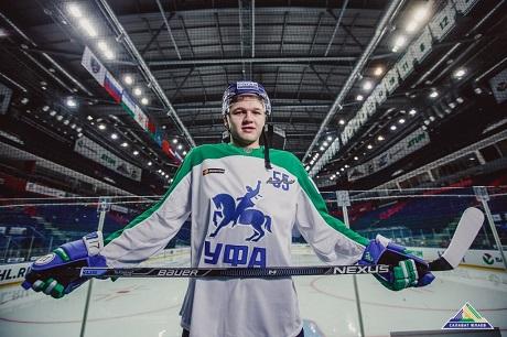 Маскот «Салавата Юлаева» станцевал стриптиз вчесть победы над «Динамо»