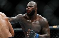 В тяжелом весе UFC новая звезда. Розенструйк проигрывал бой, но вырубил Оверима за 4 секунды до конца