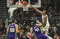 Яннис Адетокумбо, Сакраменто, видео, Милуоки, НБА