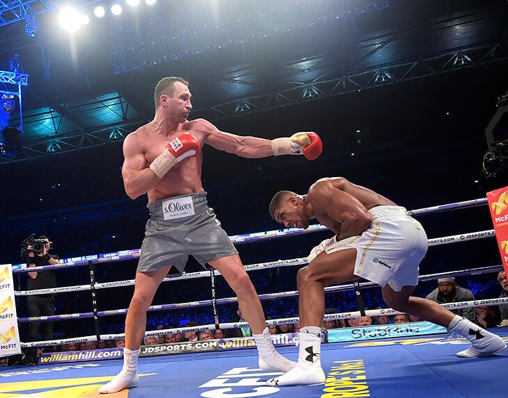 Владимир Кличко хочет в 45 лет вернуться в бокс, чтобы побить вечный рекорд. Украинец действительно может стать самым возрастным чемпионом-тяжеловесом