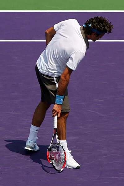В юности Федерер был психом и снимал стресс криками под Metallica. А потом успокоился и не ломал ракетки с Майами-2009