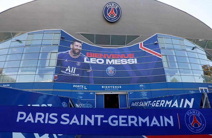 Тебас набросился на «ПСЖ» и сравнил состав с турнирами легенд. «Париж» указал на долги и бесхозяйственность в Ла Лиге
