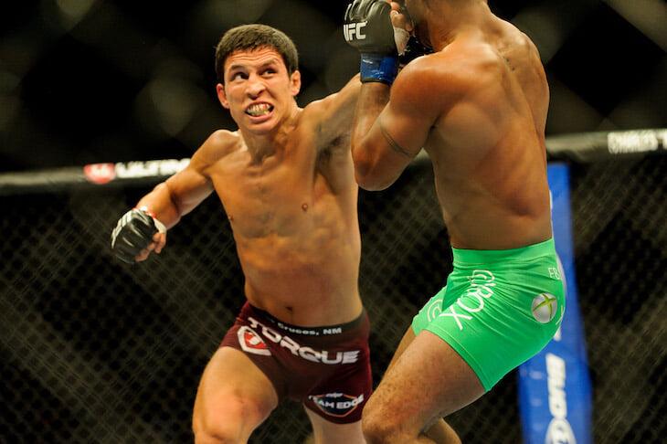 В наилегчайшем весе UFC тоже бывает зрелищно. Там подерутся 55-килограммовые нокаутеры, которые решат судьбу дивизиона