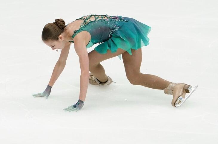 Трусова уходила к Плющенко за чистыми прокатами, но пока падает в каждом