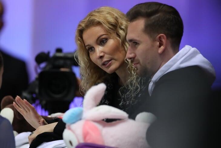 А что, если Косторную не переманил Плющенко, а прогнала Тутберидзе? Нам явно что-то недоговаривают
