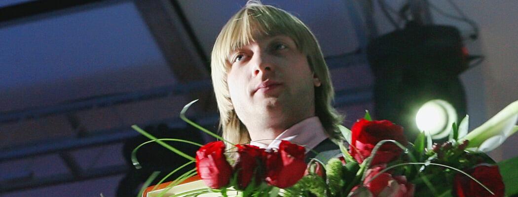 Задолго до Загитовой «Ледниковый период» вел Плющенко: танцевал танго со Слуцкой, называл Ягудина «дружище»