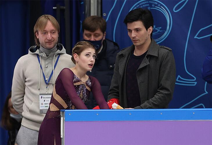 Трусова продержалась у Плющенко всего год: чего добилась? Кто ее все-таки тренировал? И как все разрушилось?