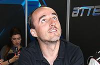 Можно ли в «Формуле-1» пилотировать одной рукой?