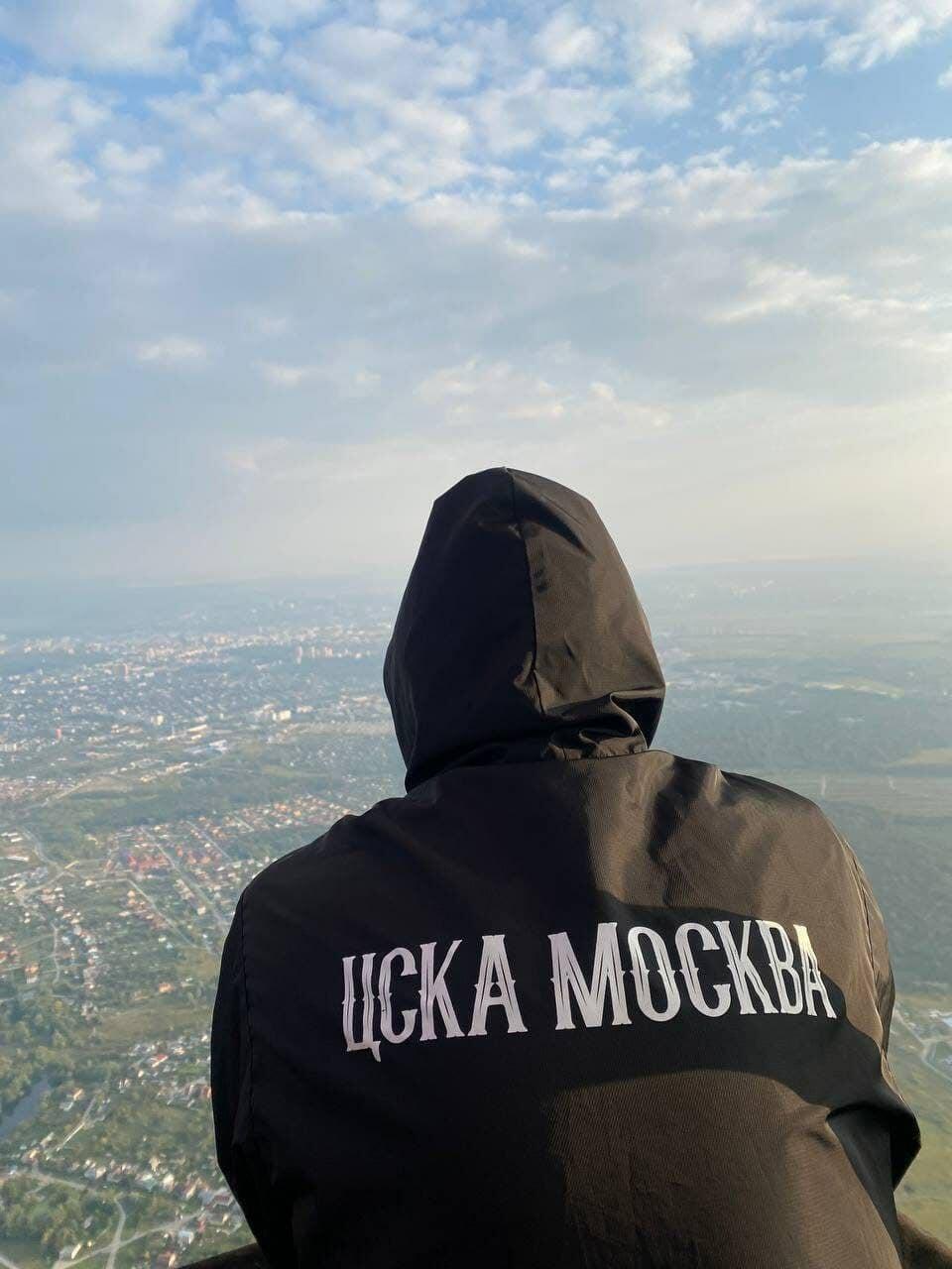 Самый необычный выезд: фанаты ЦСКА прилетели в Тулу на воздушном шаре