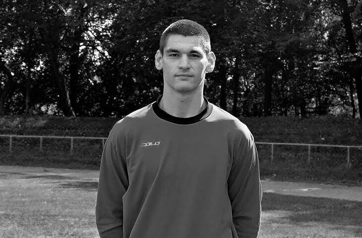 Трагедия в Калининграде: 23-летний вратарь погиб из-за столкновения с соперником. Его пытались спасти больше часа прямо на поле