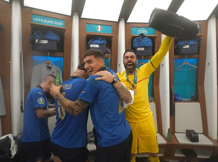 Запасной вратарь Сиригу – главный мотиватор Италии. Перед финалом сделал видео, от которого все плакали, каждому написал свое послание
