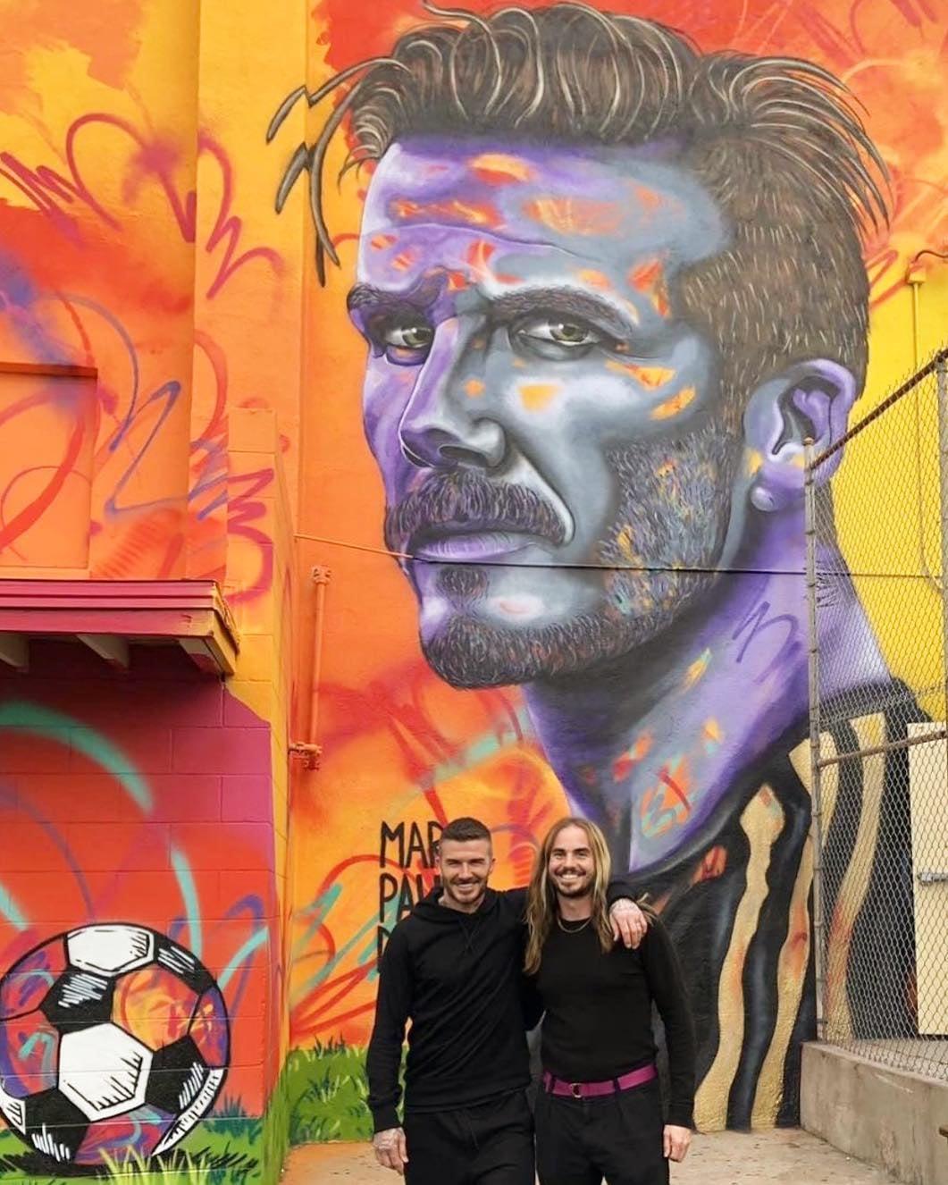 Образ жизни ВЛос-Анджелесе открыли монумент вчесть Дэвида Бекхэма