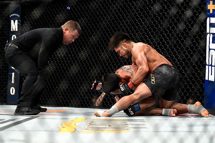 Сехудо разобрался с ветераном MMA, а после этого завершил карьеру. За его титул UFC подерется русский боец