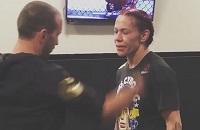 UFC, Крис Жустино, женские бои