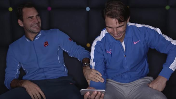 Помните великое видео, где угорают Федерер и Надаль? Они пересмотрели его 10 лет спустя