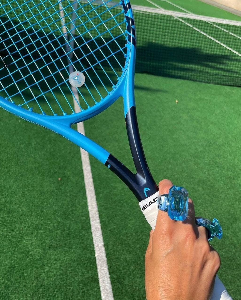 Теннис разрывает мировую моду: пандемия, обаяние старых денег и сестры Кардашьян сделали его эстетику хитом