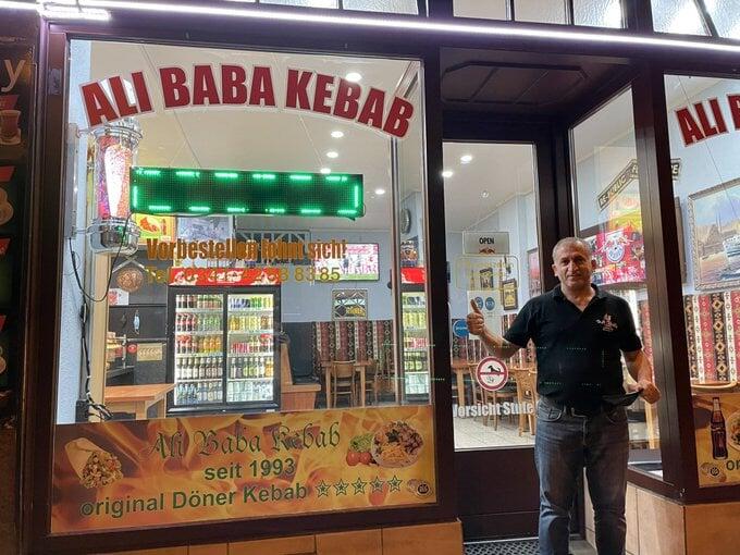 В Лейпциге есть легендарная кебабная – там бывали Киммих, Рангник и Хазенхюттль. А главным клиентом был Вернер
