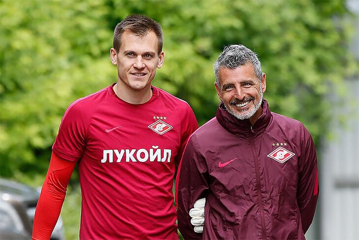 Артем Ребров написал о сложном: как уступить место Максименко и не желать ему ошибок