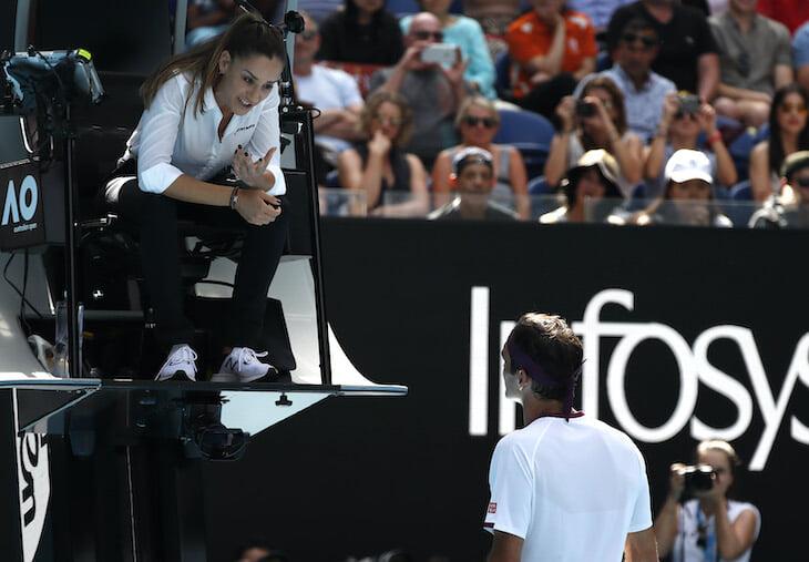 Все без ума от судьи с матча Федерера. Ее красотой восхищается даже Бушар