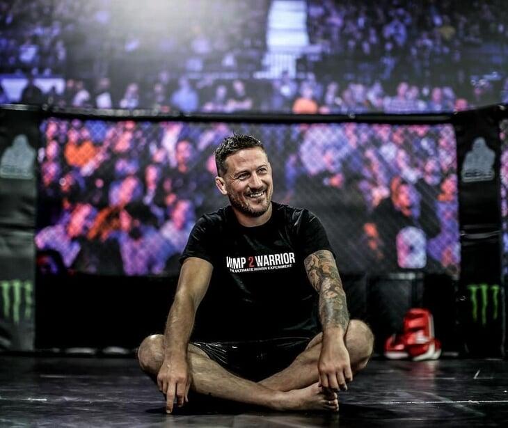 Главный тренер Конора учился драться по записям старых турниров UFC. Джон Кавана– отец ирландских ММА