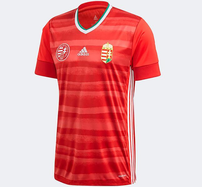 Собрали все формы Евро-2020: мозаика льва у голландцев, звуковая волна от пения гимна – у датчан