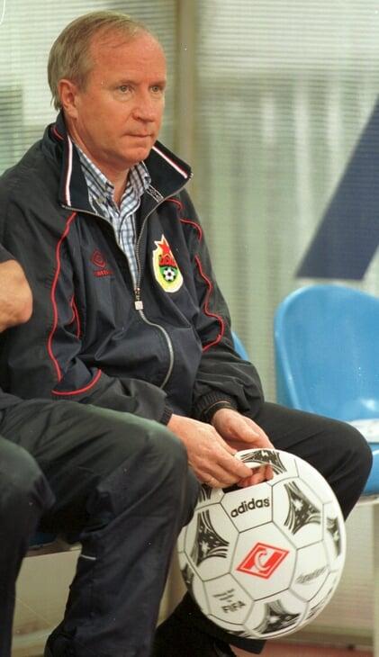 Гинер не любит увольнять тренеров. Даже выгоняя Зико, он все свалил на совет директоров