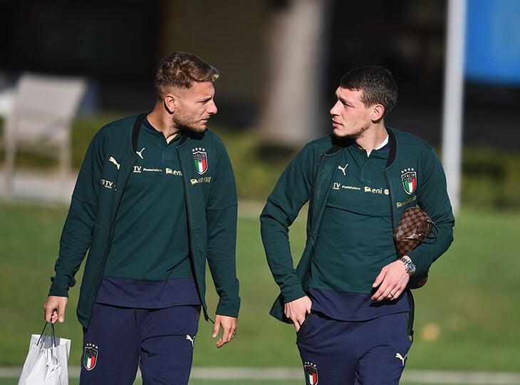 Италия шикарно контролирует мяч и атакует в 5 форвардов, но не создает остроты. 33-летний бомбардир «Сассуоло» будет нужнее Иммобиле и Белотти