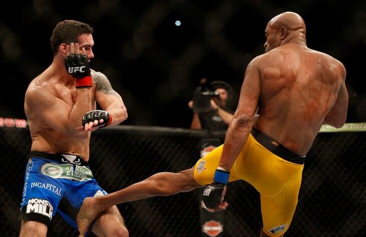 😱 На UFC 261 реально страшно: голень Вайдмана разлетелась вдребезги после удара (так же, как у Сильвы)