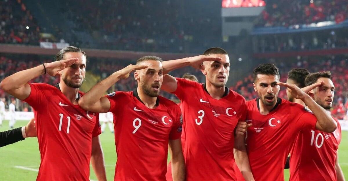 Турция вылетела с Евро, проиграв все 3 матча, разница голов  1:8