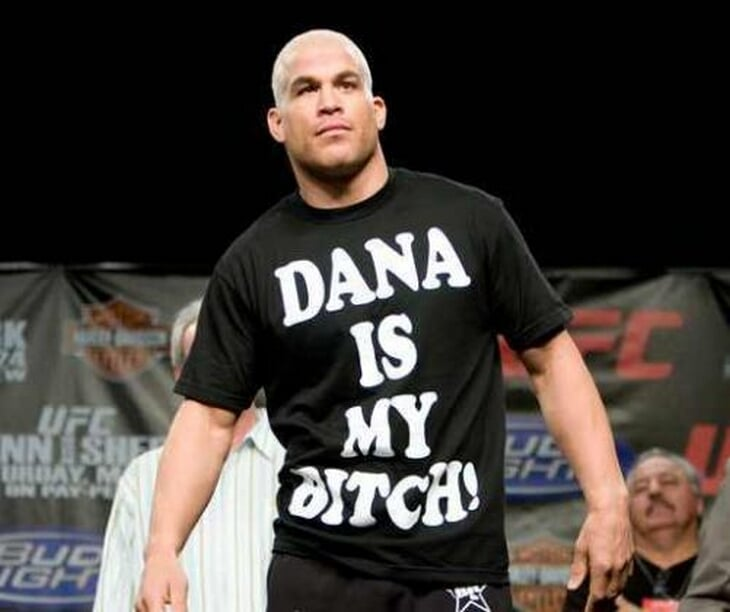 История ненависти президента UFC и экс-чемпиона: драка в самолете, бонусы за избиения и футболка «Дэйна – моя сучка»