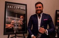Фанат продал пустую бутылку виски Конора дороже полной. Макгрегор похвалил!
