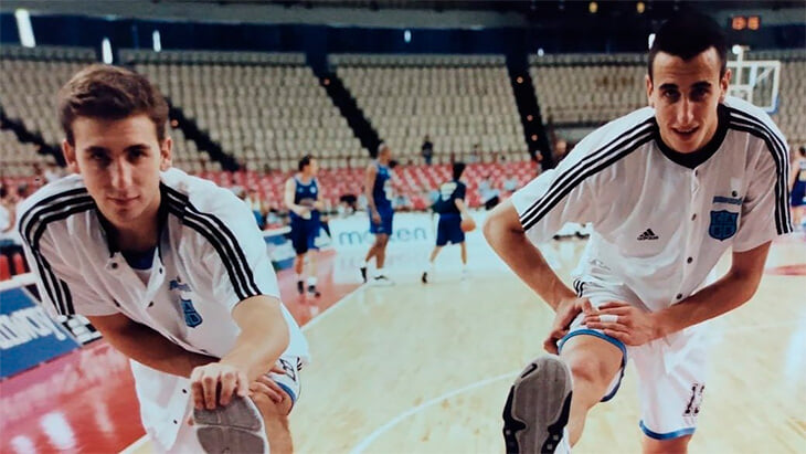 Ману Джинобили стал звездой в Европе. Здесь он научился евростепу, симуляциям и умному баскетболу