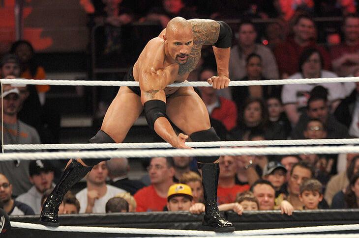 Скала вручит пояс главного засранца на UFC 244. Он сам едва не оказался в MMA