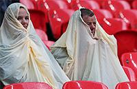 Болельщики, которые пожалели, что пришли на футбол