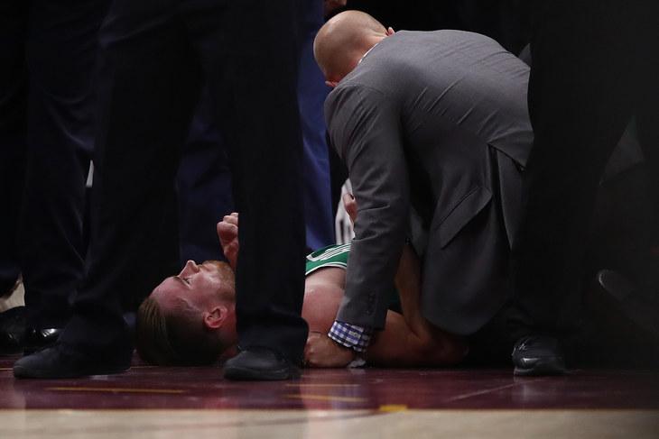Форвард «Бостона» Гордон Хэйворд получил жуткую травму впервом матче чемпионата НБА