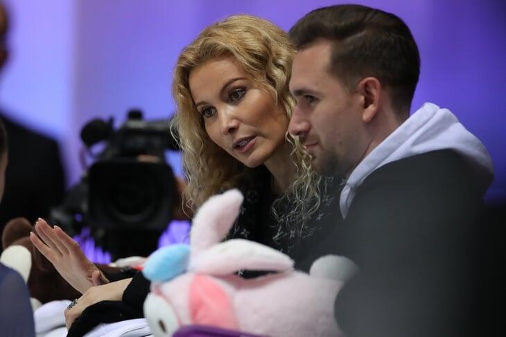 Когда Медведева прыгнет четверной, кто будет пить кофе из консервных банок, как выиграть 100 тысяч рублей? Фигурный подкаст – текстом!